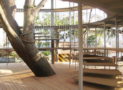 Kita_Tezuka-Architects_treehouse